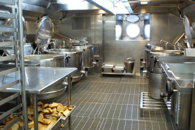 Visite exclusive des cuisines du Costa Mediterranea